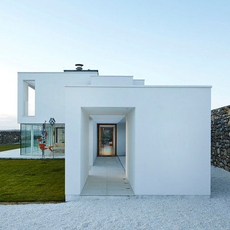 Stephenson Studio completes a Mondrian-inspired home for a remote site on the Welsh coast