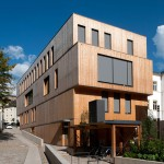 Steinmetzdemeyer stacks wooden blocks to form low-energy office building