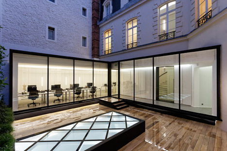 Dior-Men-offices-in-Paris-by-Antonio-Virga-Architecte_dezeen_468_1