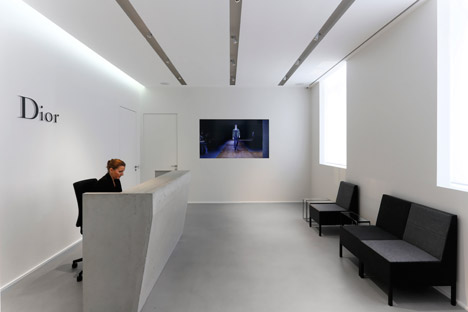 Dior-Men-offices-in-Paris-by-Antonio-Virga-Architecte_dezeen_468_15