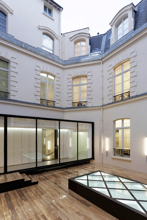 Dior-Men-offices-in-Paris-by-Antonio-Virga-Architecte_dezeen_468_3