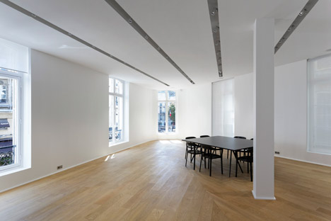 Dior-Men-offices-in-Paris-by-Antonio-Virga-Architecte_dezeen_468_8