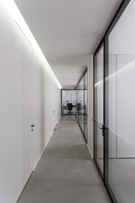 Dior-Men-offices-in-Paris-by-Antonio-Virga-Architecte_dezeen_468_9