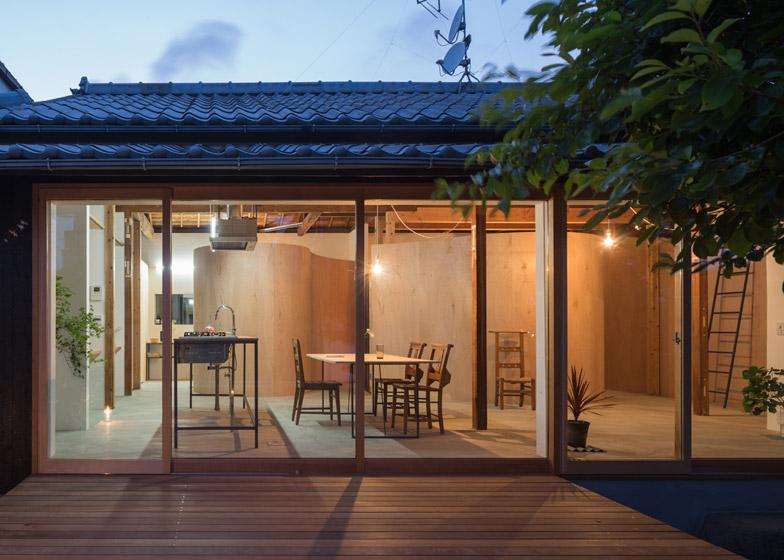 house in kamisawa