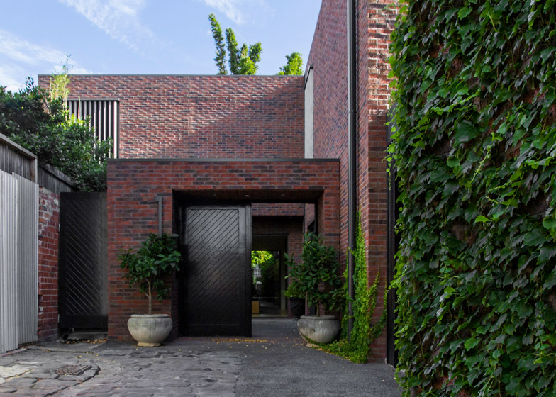 McIlwrick Residences by B.E. Architects