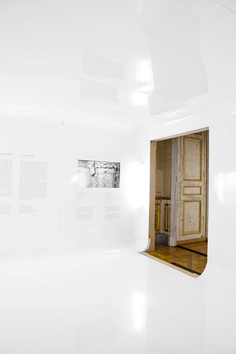 Mutations-exhibition-design-by-Freaks-Freearchitects_dezeen_468_4