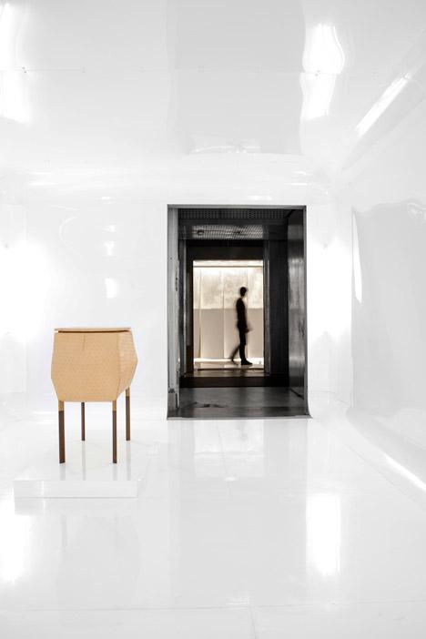 Mutations-exhibition-design-by-Freaks-Freearchitects_dezeen_468_6