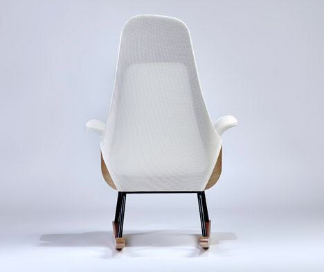 Nana-breastfeeding-rocker-Alegre-Design_dezeen_468_2