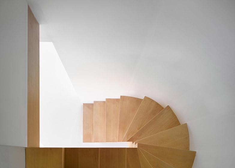 Omsorg by Graux & Baeyens architects