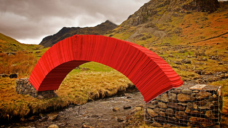 PaperBridge-by-Steve-Messam_dezeen_468_0.jpg