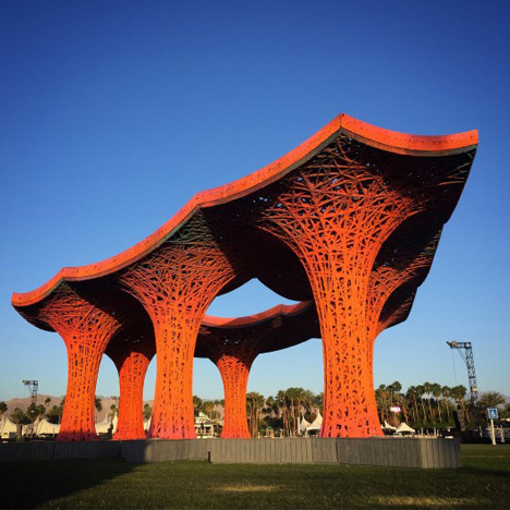 Coachella festival pavilion by Ball-Nogues Studio built using over a tonne of paper pulp