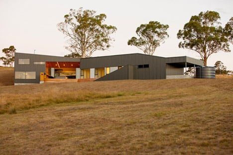 Valley House Tasmania by Philip M Dingemanse