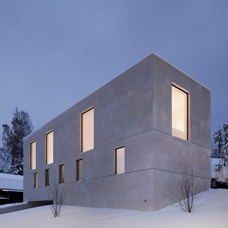 Villa-Mortnas-by-Fourfoursixsix-Architects_dezeen_784_6