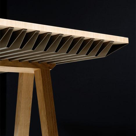 Zero-Energy-Furniture_Raphael-Menard_Jean-Sebastien-Lagrange_dezeen_468_4