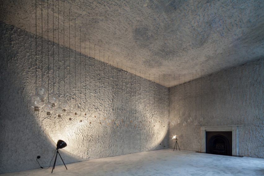 antonino-cardillo-pics-house-of-dust-and-illuminum-gallery-architecture_dezeen_2364_col_4