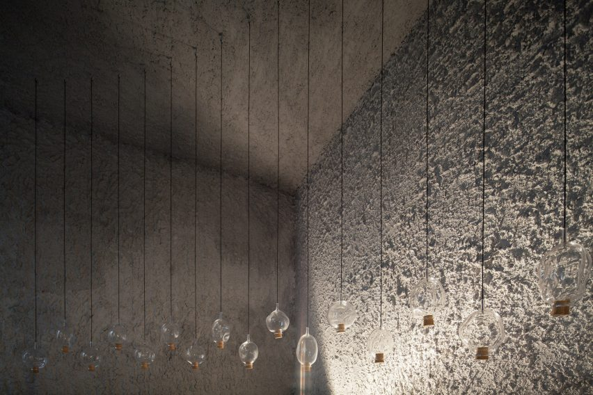antonino-cardillo-pics-house-of-dust-and-illuminum-gallery-architecture_dezeen_2364_col_5