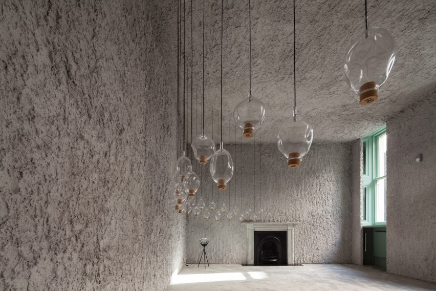 antonino-cardillo-pics-house-of-dust-and-illuminum-gallery-architecture_dezeen_2364_col_9