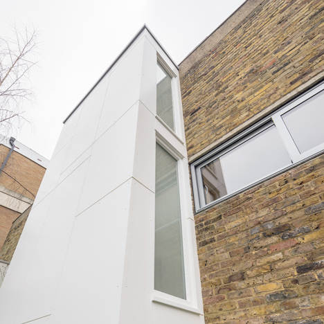 Studio Gil adds stairwell extension to a Modernist home in Primrose Hill