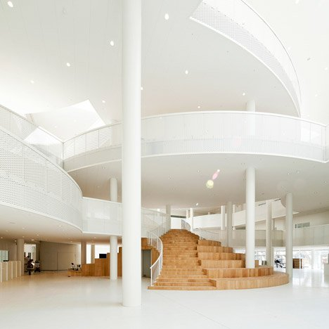 "Adult education centre with an ""amphi-staircase"" draws inspiration from Mickey Mouse"