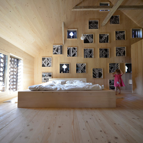 Alpine-Barn-Apartment-by-OFIS_dezeen_468_23