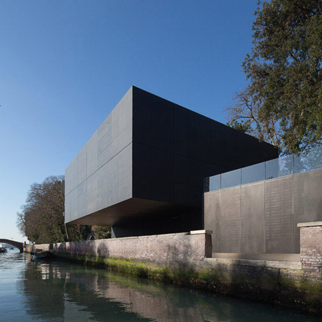 Australian Pavilion at Venice Biennale by Denton Corker Marshall