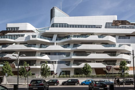3novices zaha hadid and daniel libeskind build a community for Quartiere city life