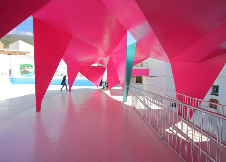Colourful paper architecture for kids by Julio Barreno Gutiérrez