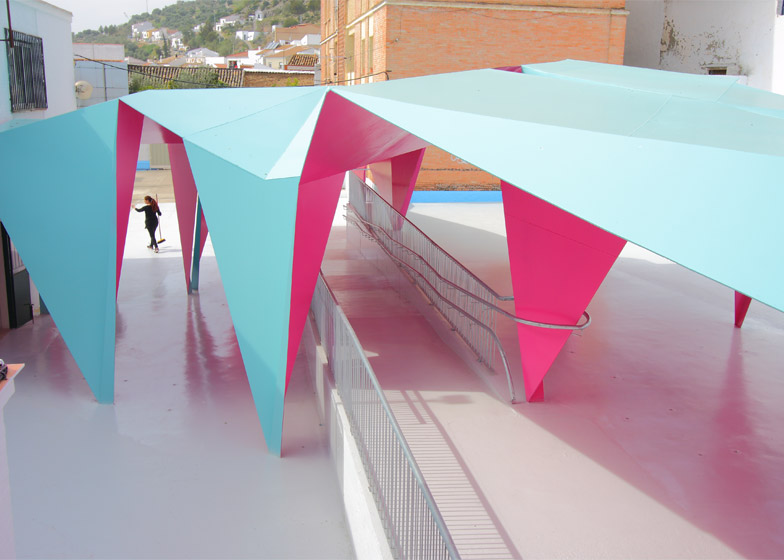 Colourful paper architecture for kids by Julio Barreno Gutiérrez