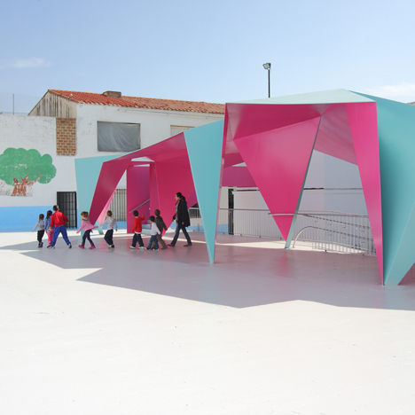 Julio Barreno Gutiérrez creates a folded-steel shelter for a school playground