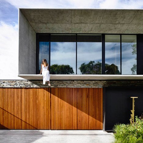 Matt Gibson references Brazilian Modernism for concrete and stone house in Melbourne