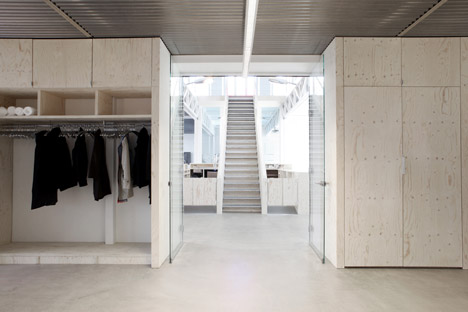 Connekt interior by Ateliers