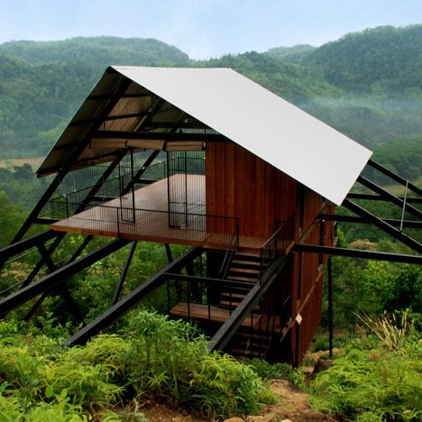 Treetop holiday home by Narein Perera stands between a rubber plantation and a jungle