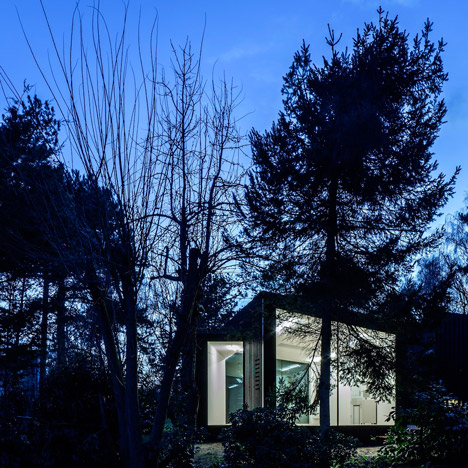 Soup Architects adds a pair of art studios to a leafy Suffolk garden
