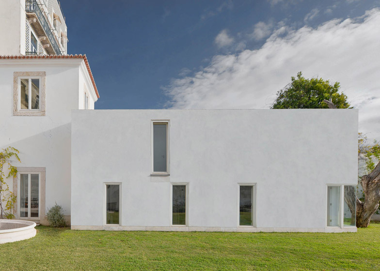 House in S Mamede by Aires Mateus