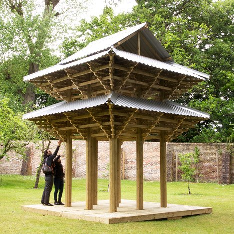 Kingston University students erect a Japanese pavilion in the garden of a museum