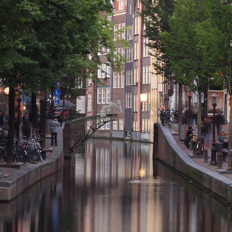 Joris-Laarman-MX3D-printed-bridge-canal