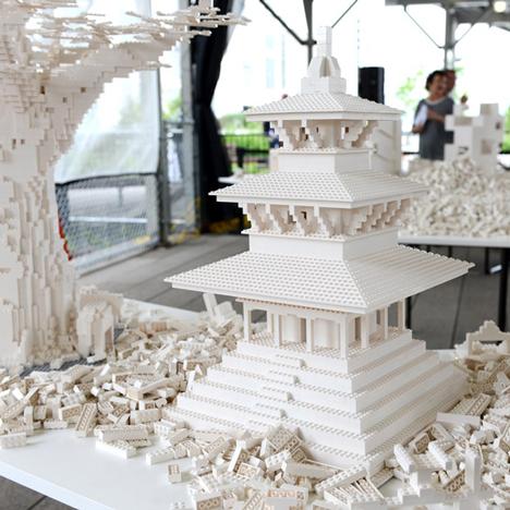 Lego-Installation-Olafur-Eliasson_dezeen_784_3