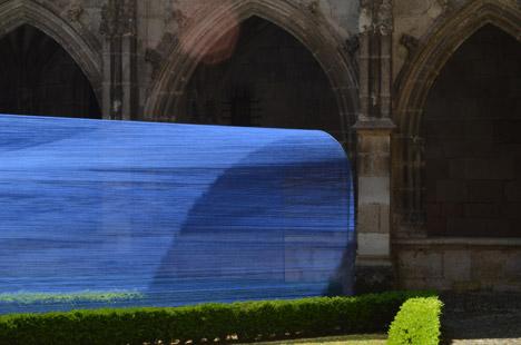 Les-Voutes-Filantes-installation_Cahors-France_Atelier-YokYok_dezeen_468_2