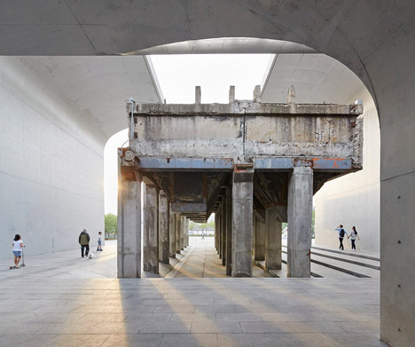 Long-Museum-West-Bund-Deshaus_dezeen_468_39