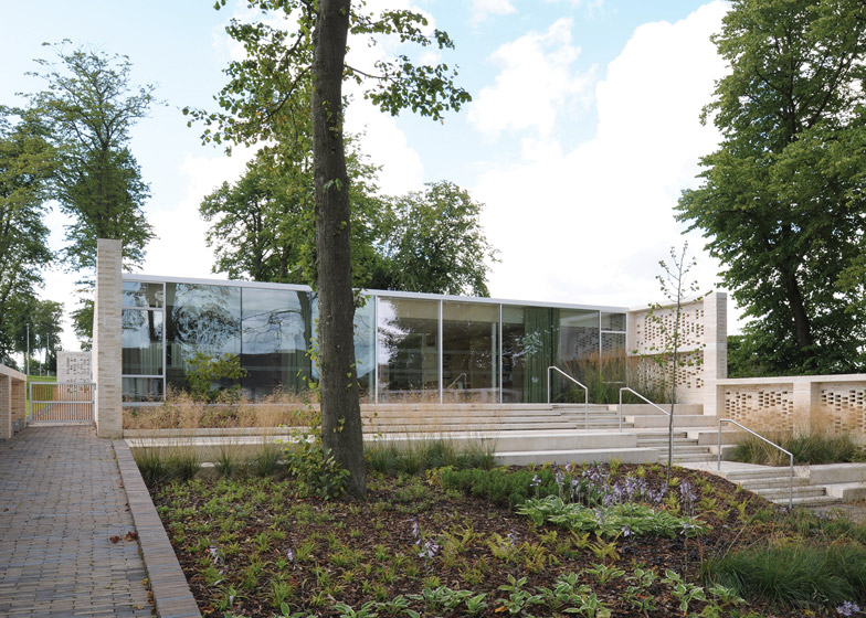Maggies Centre Lanarkshire by Reiach and Hall