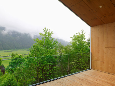Mountain View House by SoNo Arhitekti