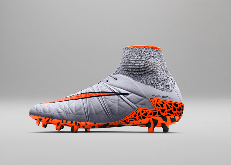 hot sale online e4445 d0bc1 Nike updates Hypervenom football boots with new materials