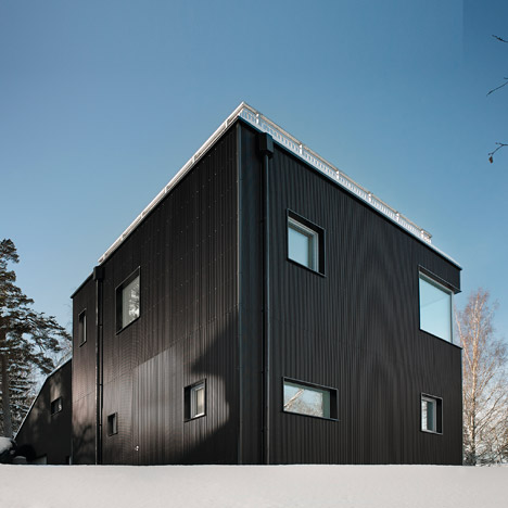 Pulkabacken house has a sloping roof that doubles as a sledding hill
