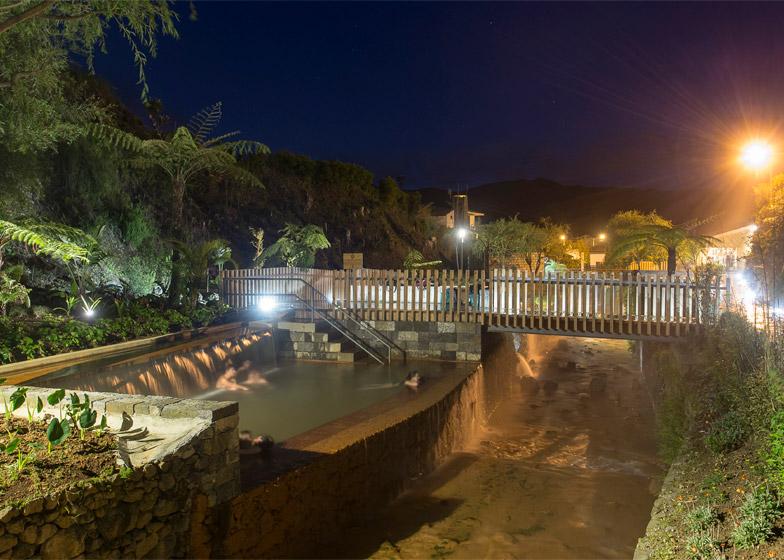 Thermal Pools by Rodrigo Sequeira Dias Filipe