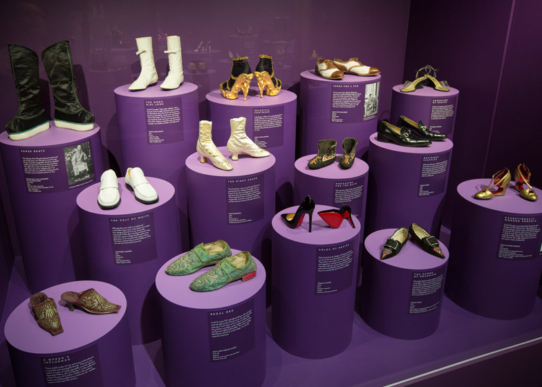 Exhibition Stand Shoes : Shoes display rack metal display stand for socks manufacturer from