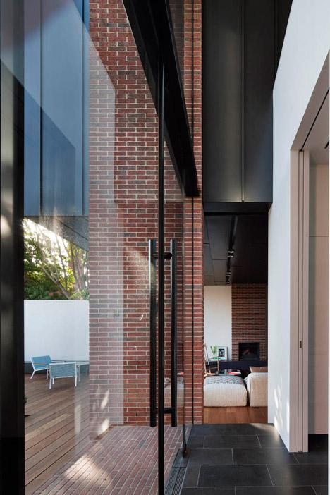 Abstract-House_Matt-Gibson_dezeen_468_16