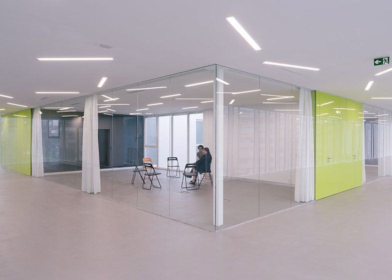 Adult Education Centre by 1004arquitectos