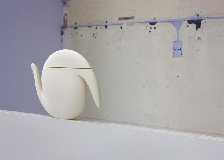 Aldo Bakker jugs on show at Looiersgracht 60