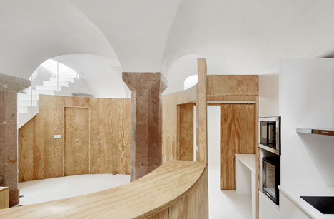 Apartment Tibbaut by Raul Sanchez
