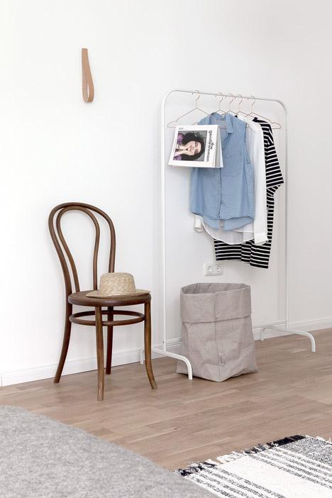 Apartment-styled-by-Sarah-Van-Peteghem_dezeen_468_6